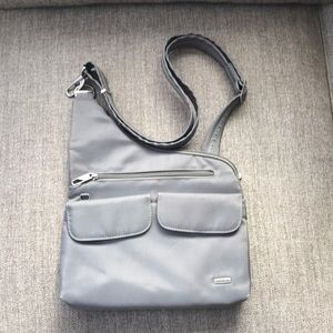 NWOT TRAVELON Bag  Cross Body